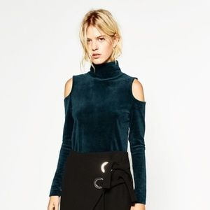Zara Dark blue open shoulder velvet top